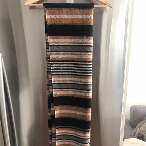 Accessories - Cashmere look scarf